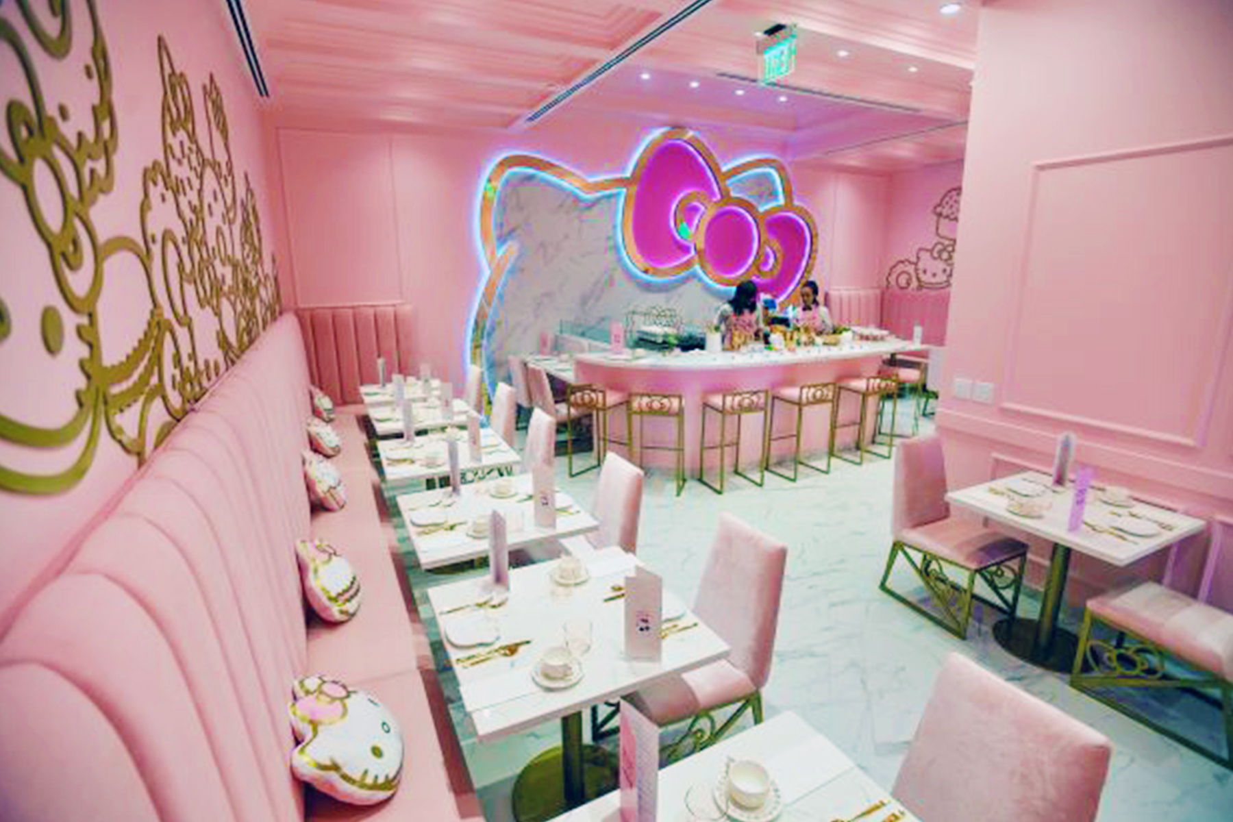 Hello Kitty Grand Cafe Bow Room at the Irvine Spectrum