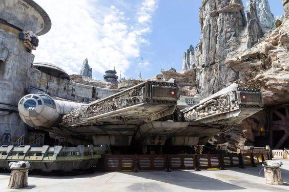 Star Wars Galaxy's Edge Disneyland Anaheim