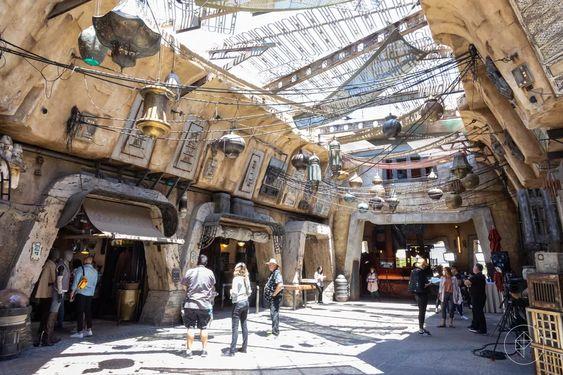 Star Wars Galaxy's Edge Shopping Market