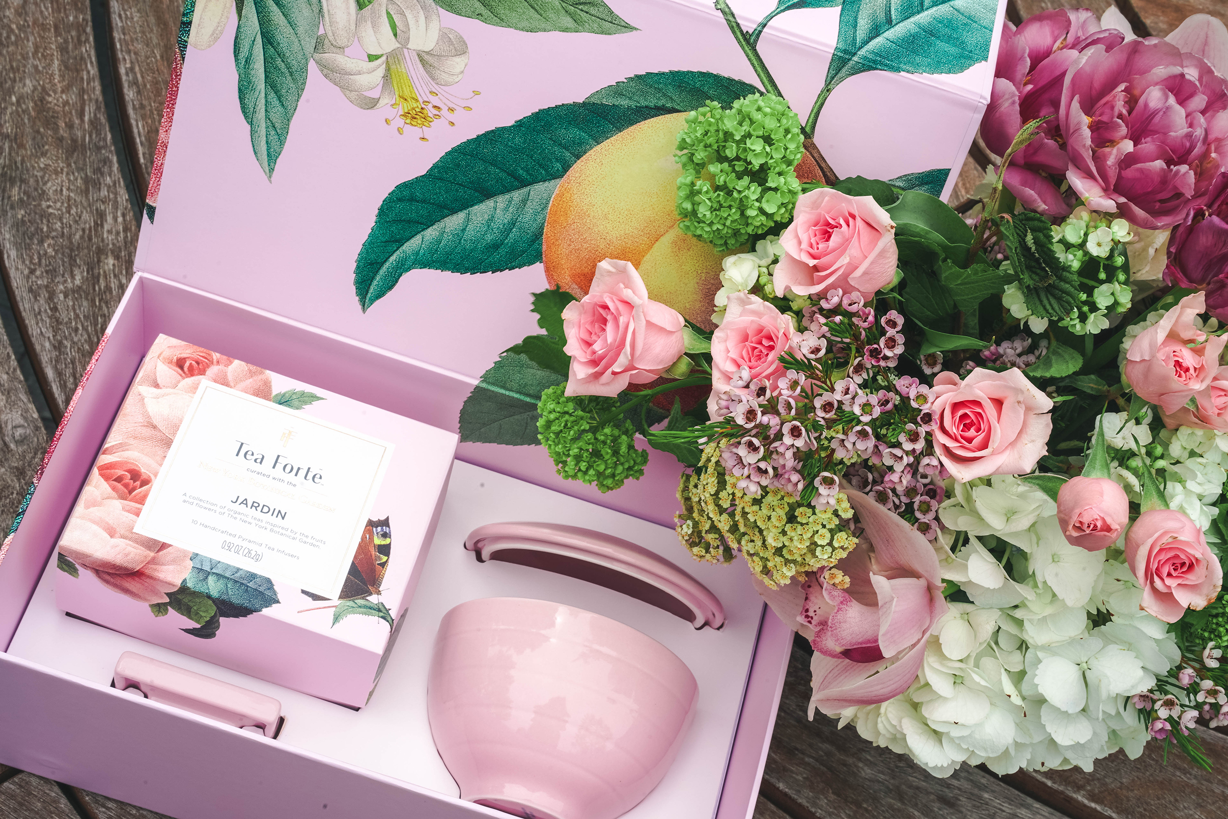 Tea Forte Jardin Pink Gift Set in beautiful matching giftbox