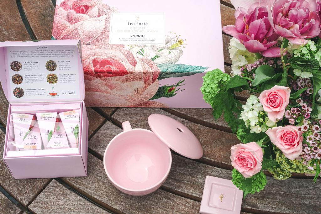 Tea Forte Jardin Pink Gift Box set with five organic teas, pink teacup and teabag tray, pink flowers