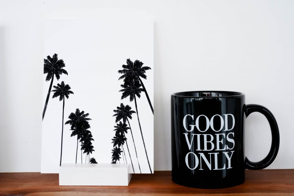 Mayumi-Ko Palm Tree Print, Good Vibes Only cup