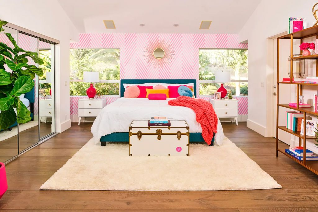 Barbie Malibu Dreamhouse Bedroom Airbnb