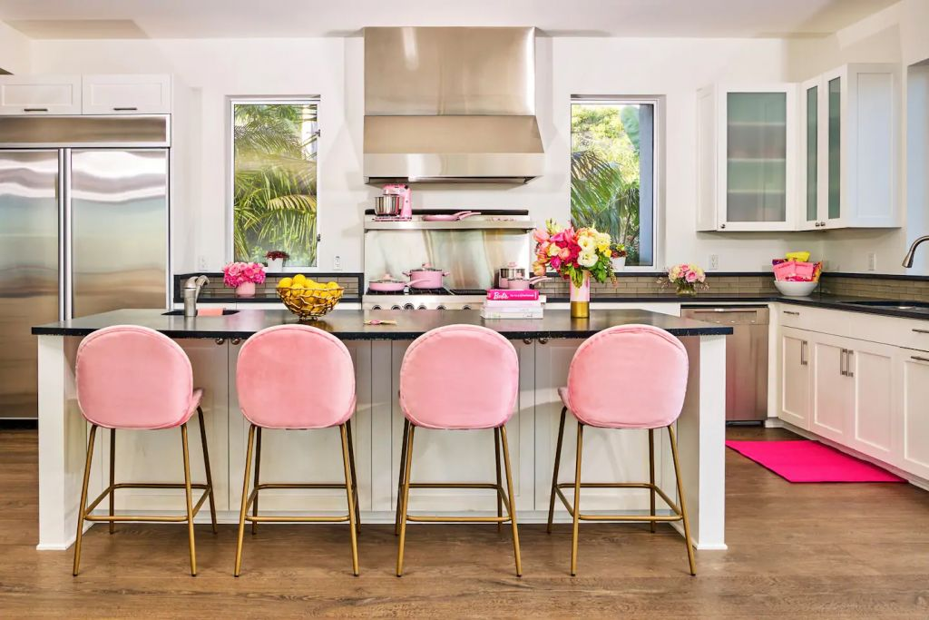 Barbie Malibu Dreamhouse Pink Full Stocked Kitchen Airbnb