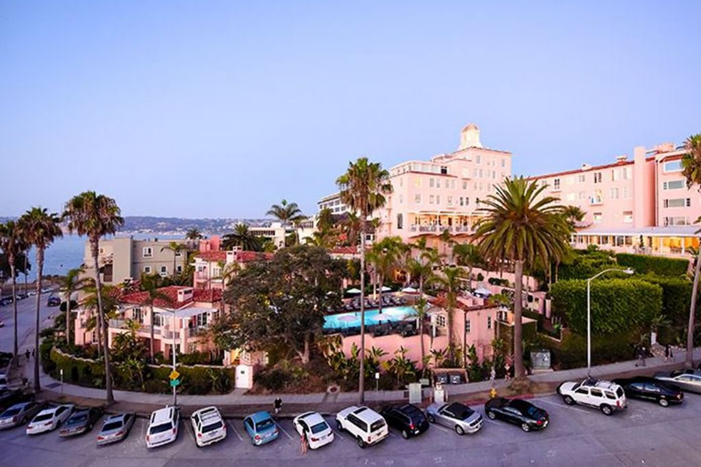 Photo: La Valencia Hotel - Exterior, Pink Lady Hotel
