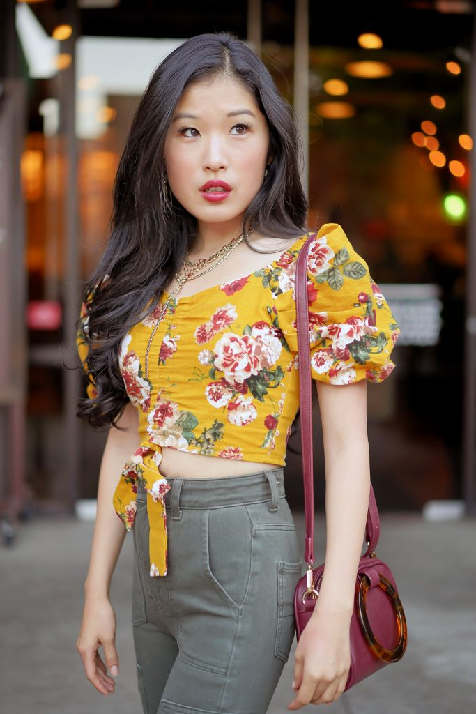 SHEIN Puff Sleeve Ruched Front Floral Crop Top, American Eagle Ne(X)t Level Highest Waist Olive Jegging, Free People Old Flame Necklace