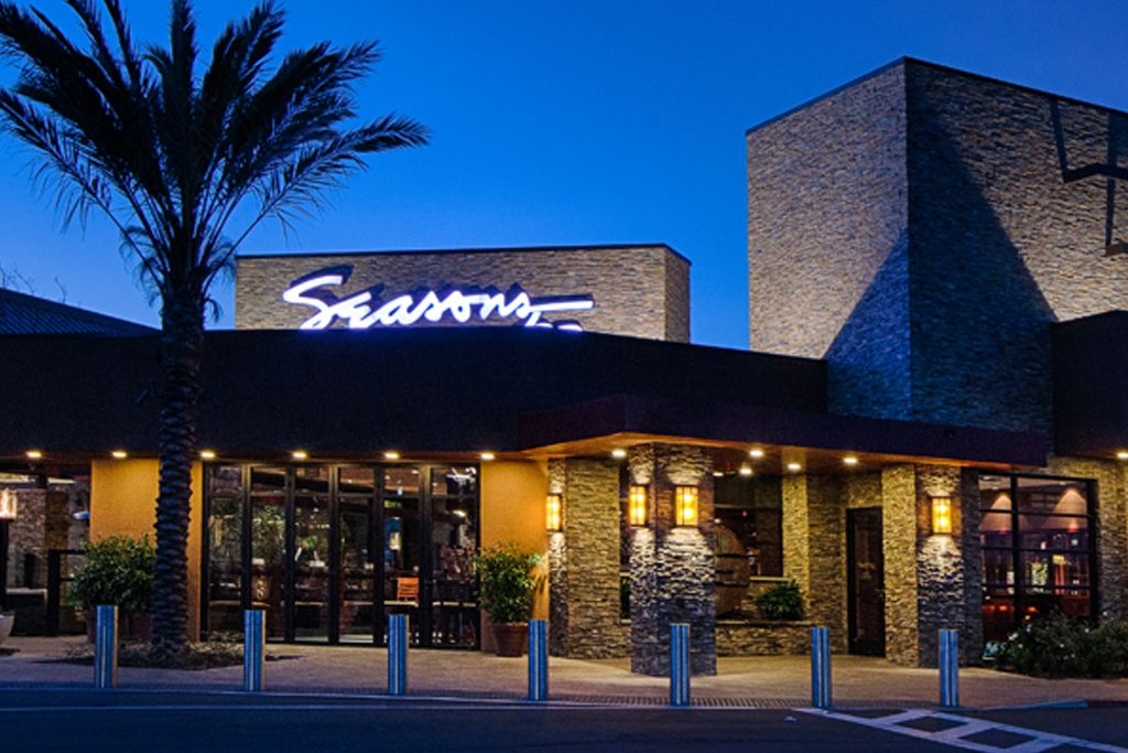 Seasons 52 San Diego UTC Location Exterior