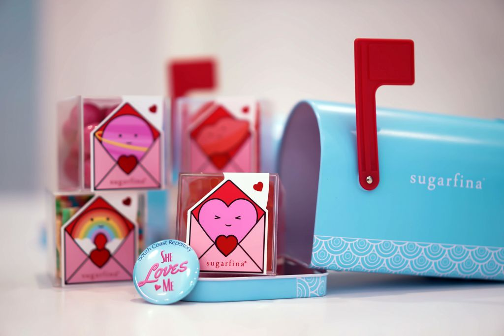 Sugarfina Design Your Own 2-Piece Candy Mailbox with Letter Candy Cubes, She Loves Me pin
